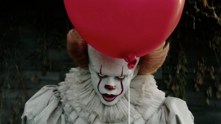 клоун Пеннивайз фото