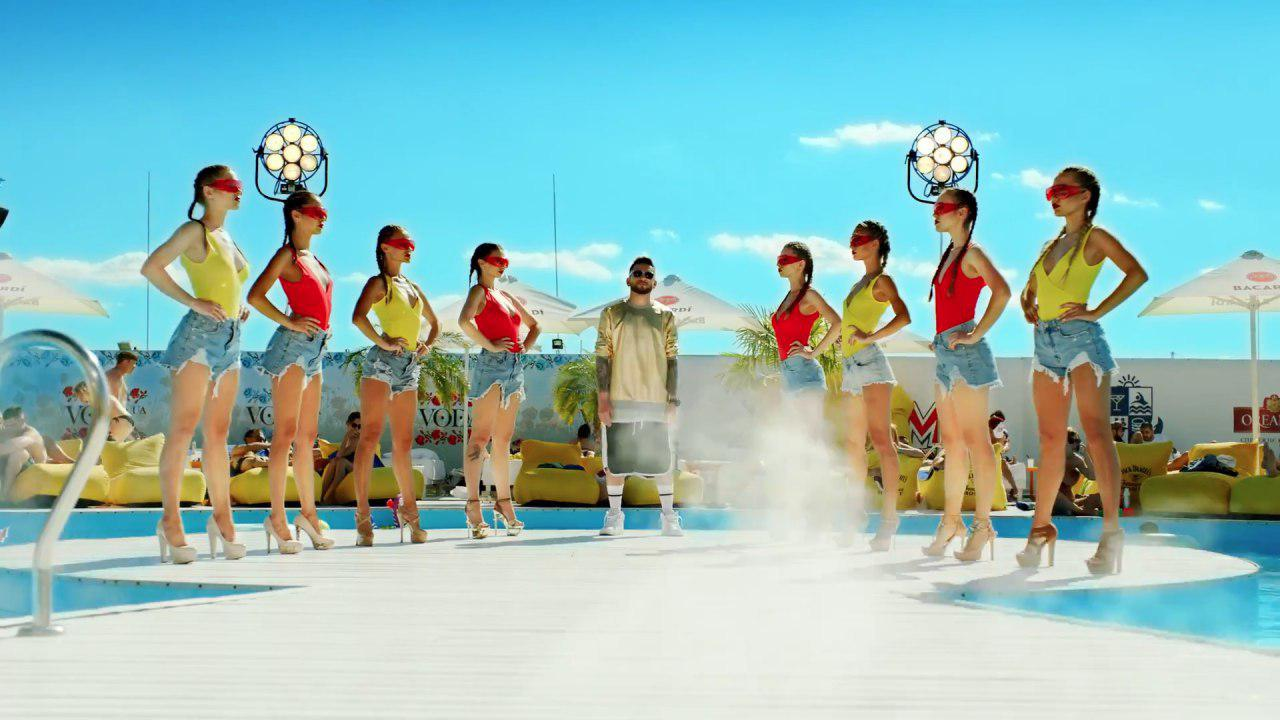 группа dilemma кадр из клипа «Тілом тряси» фото