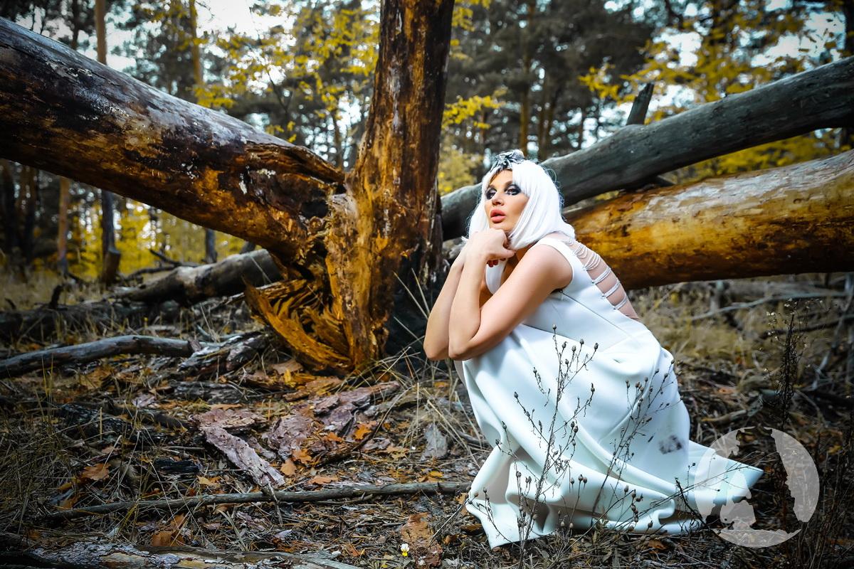 светлана вольнова фотосессия в лесу