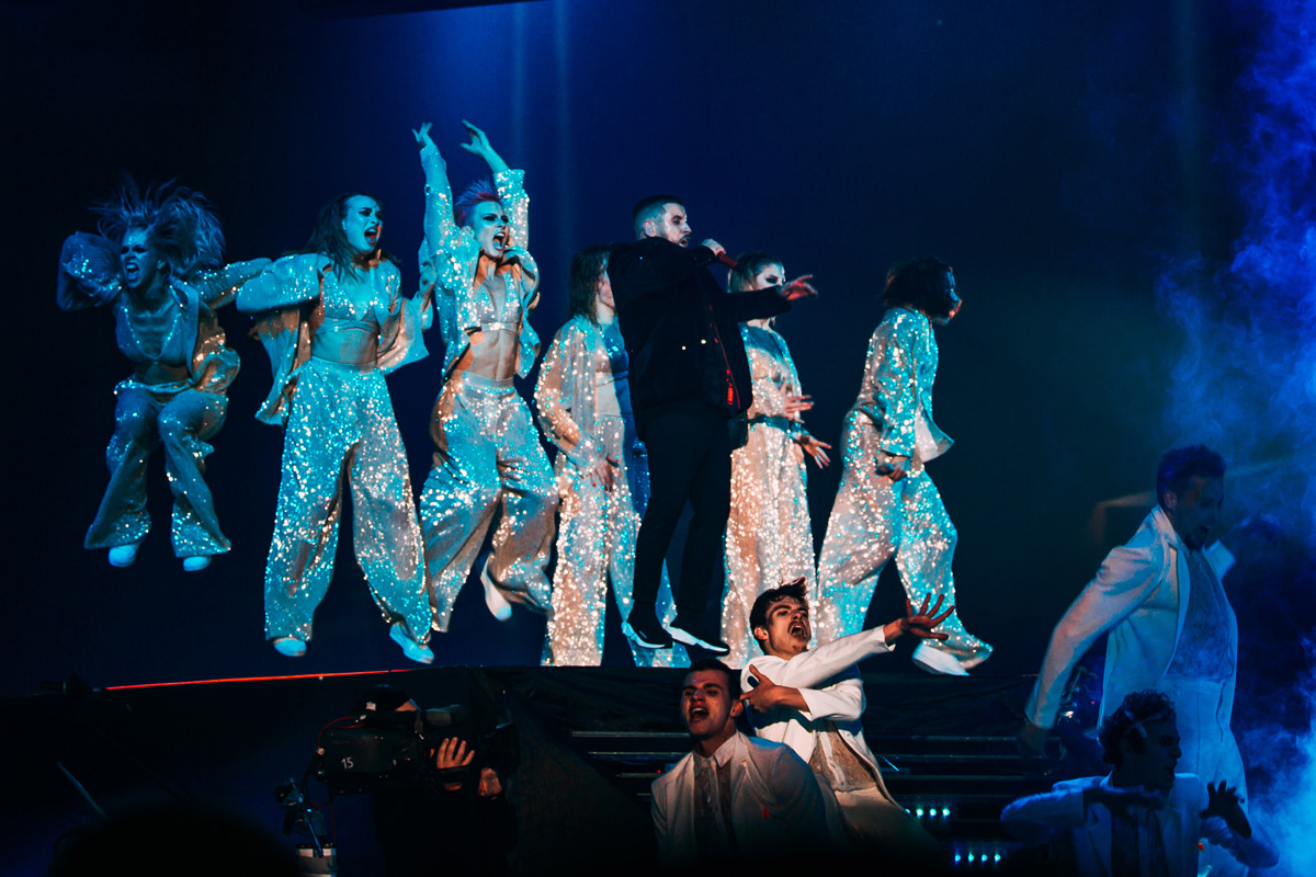 дмитрий монатик с шоу балетом фото