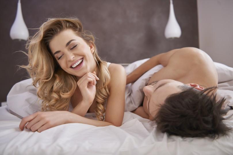 эротическая сцена в постели