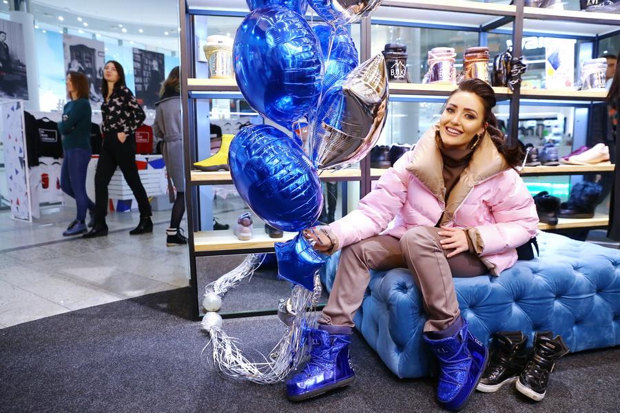Анна Добрыднева на открытие магазина L.A.P.T.I.