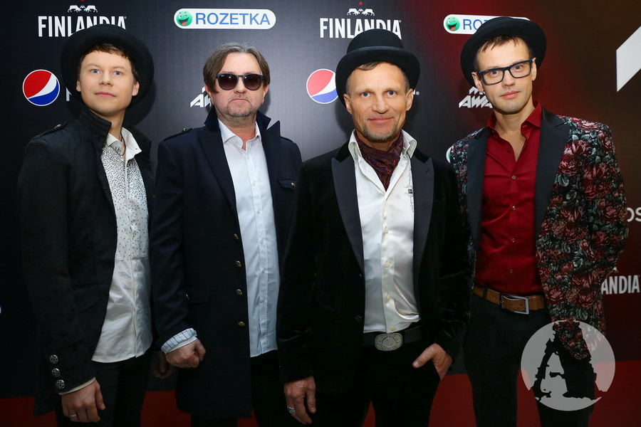 "фото группа ""ВВ"" на M1 Music Awards III Элемент"