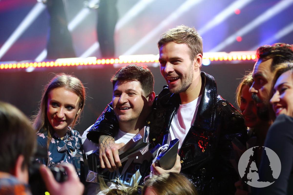 макс барских награждение на М1 Musik Awards фото