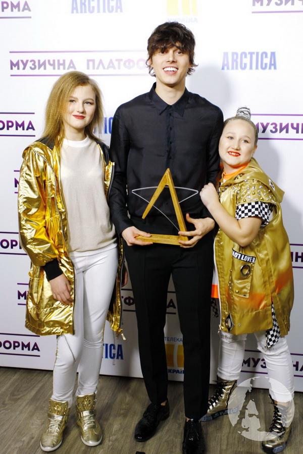 alekseev s фанатками музыкальная платформа фото