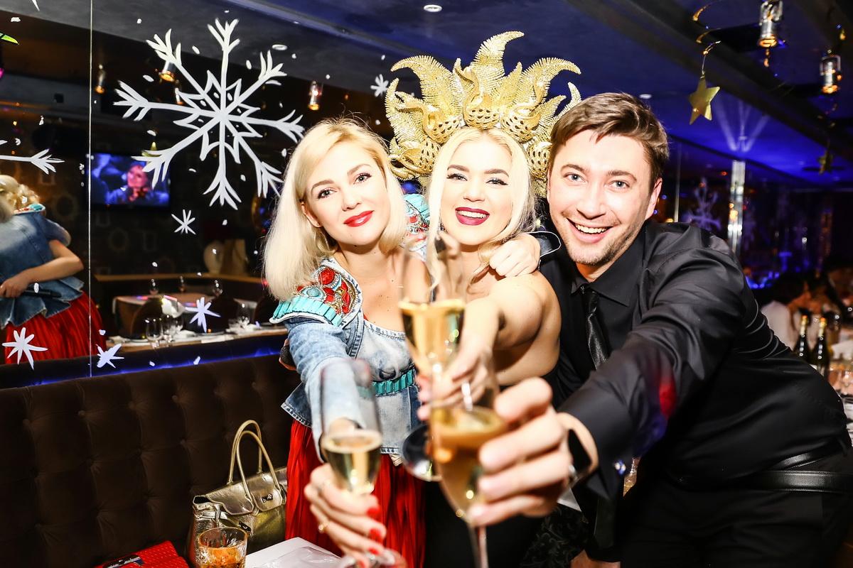 юля ковалева, сергей дмитриев, елена филонова новый год в ресторане тургенеф фото
