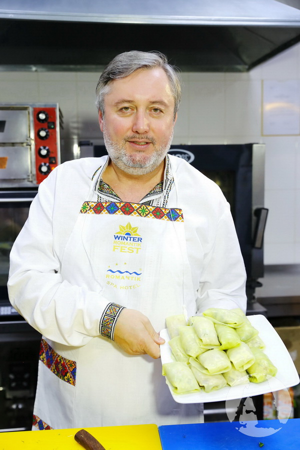 Иван Гаврон готовит голубцы на Святвечер фото