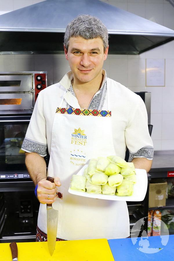 фото Арсен Мирзоян приготовил голубцы на Святвечер в Романтик Спа Отеле