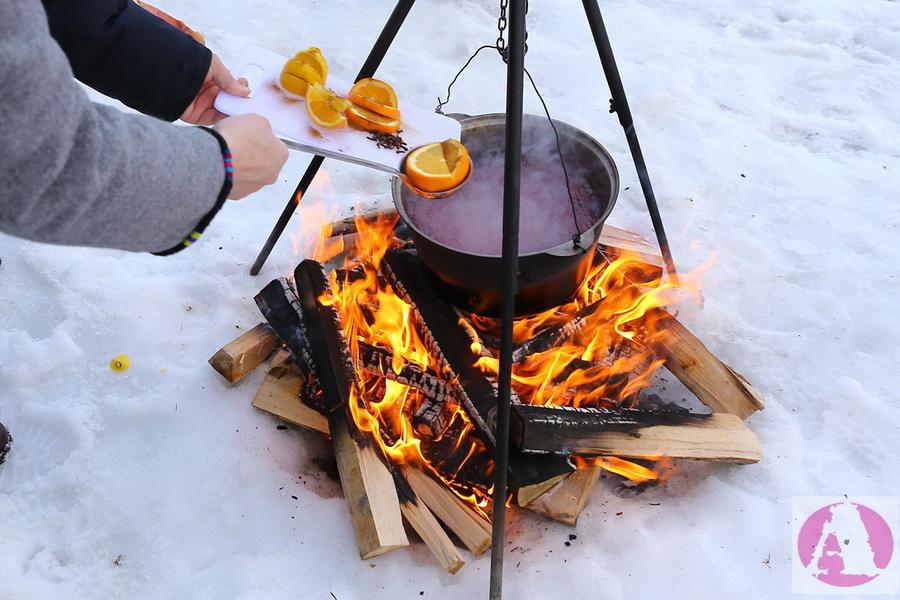 приготовление глинтвейна на открытом огне фото