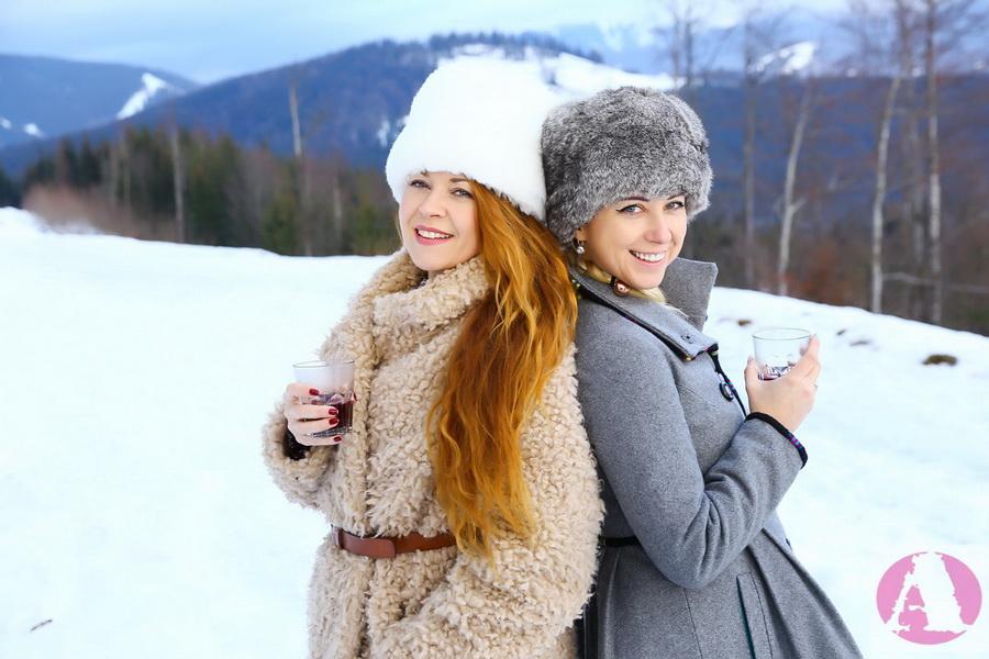 Тоня Матвиенко и Татьяна Гончарова Рождество в Карпатах фото